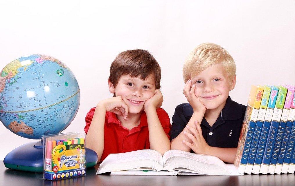 Праздник 1 сентября в школе: первый  раз в 1 класс