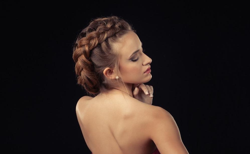 Прически из косичек на длинные волосы- пошаговое обучение