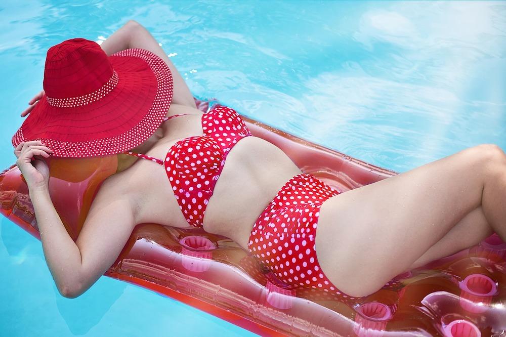 Модные купальники, фото стильных фасонов